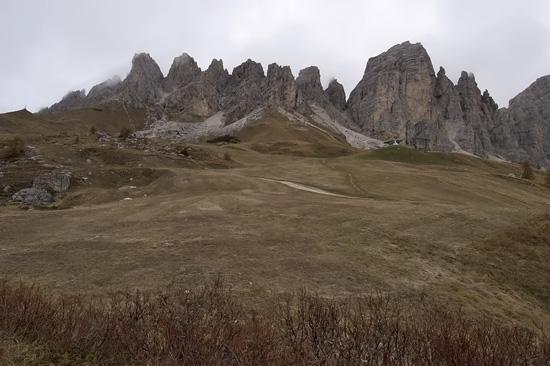 Klettersteig Italien : Kletterer am klettersteig auf paterno alta pusteria sextener